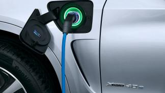 BMW X5 xDrive40e (2015) cable
