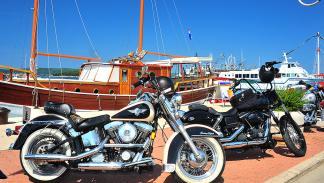 Rally Harley Davidson HOG 2015. Harleys en el puerto.