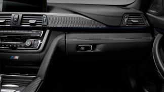 BMW M4 Coupé 25 Aniversario guantera