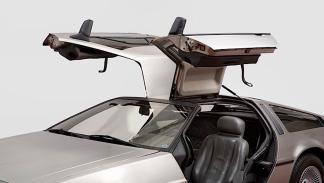 DeLorean subasta puertas