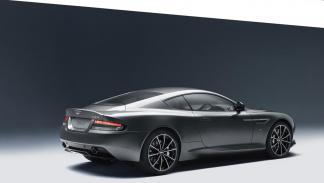 Aston Martin DB9 GT tres cuartos traseros