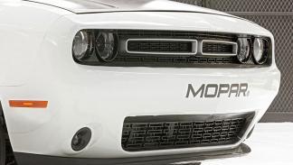 Dodge Challenger Drag Pak faros