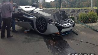 accidente BMW i8 periodista