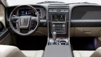 Interior del Lincoln Navigator