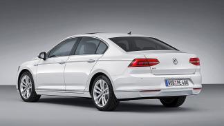 Volkswagen Passat GTE trasera
