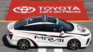 Toyota Mirai lateral 2