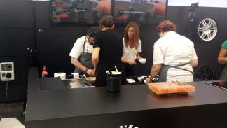 Diego Guerrero en el showcooking celebrado en el smart center de Madrid
