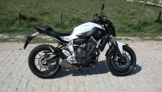 Prueba-Yamaha-MT-07-lateral