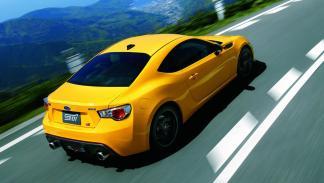 Subaru-BRZ-tS-2015-trasera