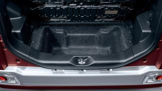 Toyota Pixis Mega maletero