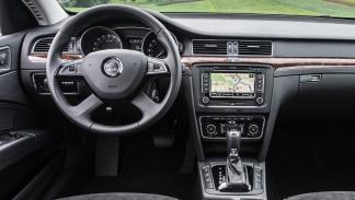 El interior del Skoda Superb Combi 2015