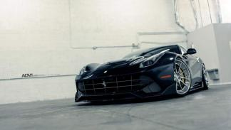 Ferrari F12 ADV1 parrilla