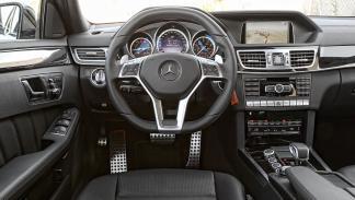 Mercedes E 63 AMG interior