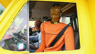 Crash-test a caravanas: el riesgo no descansa en vacaciones dummy