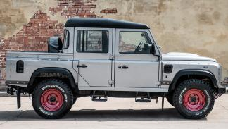 Land Rover Defender Kahn Design lateral