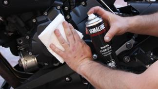 Revisa tu moto antes de las vacaciones. Limpia el motor y que no pierda por ning