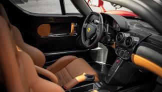 Ferrari Enzo subasta asientos