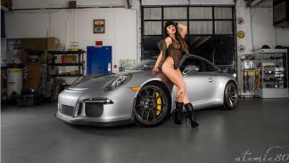 Porsche 911 caliente chicas