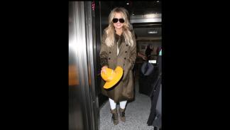 Khloe Kardashian con las gafas de sol de Porsche