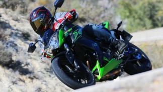 Prueba Kawasaki Z300: la moto desnuda