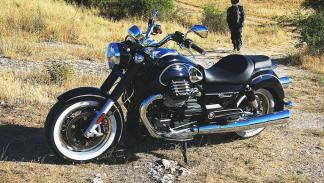 Moto Guzzi Eldorado 1400. Perfil izquierdo.