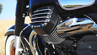 Moto Guzzi Eldorado 1400, motor V2 de cilindros laterales.