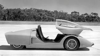 Holden Hurricane lateral