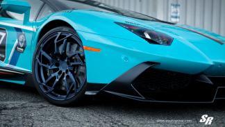 Lamborghini Aventador SR llanta futurista