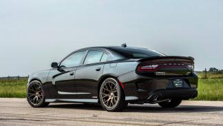 Dodge Charger Hellcat Hennessey trasera