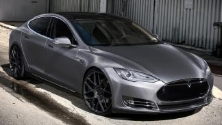 Tesla Model S preparado Revozport mate