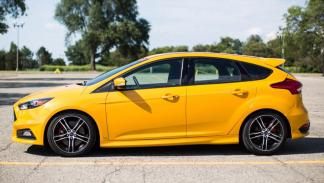 Ford Focus ST Performance lateral