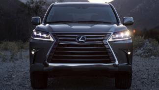 Lexus LX 570 luces