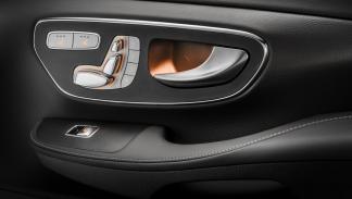 Mercedes Clase V AMG Line manetas