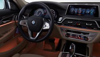 BMW Serie 7 2015 volante