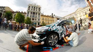Boa Mistura pintando el Renault Clio Technofeel Limited Edition
