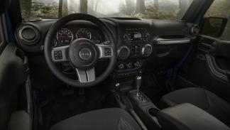Jeep Wrangler Black Bear interior