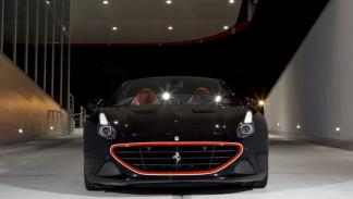 Ferrari California T Tailor Made negro frontal