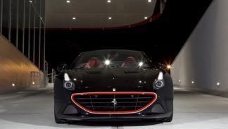 Ferrari California T Tailor Made negro frontal