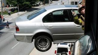 accidente-tráfico-inexplicable-garaje