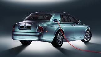 Rolls Royce 102 ex vista trasera