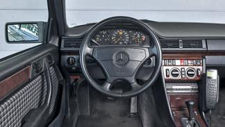 Prueba del Mercedes 500 E: más Porsche que Mercedes interior