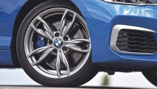 BMW M135i rueda