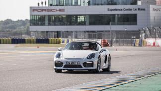 """Boxster GTS. """"Gran Turismo Sport"""". Esto significa: potencia, chasis y pesos par"""