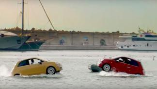 Exhibición Fiat 500 acuáticos