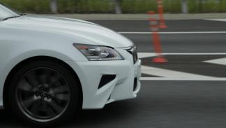 Lexus GS conduccion autonoma paragolpes
