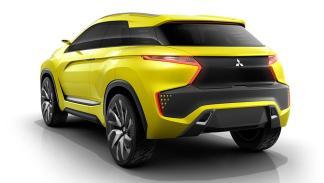 Mitsubishi eX Compact Crossover trasera