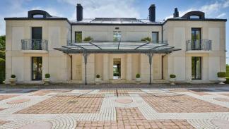Villa en Suiza en venta con F1 en su interior 3