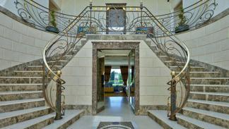 Villa en Suiza en venta con F1 en su interior 4