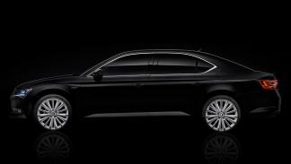 Skoda Superb Black Crystal perfil