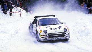 coches-miedo-conducir-rápido-ford-RS200-zaga